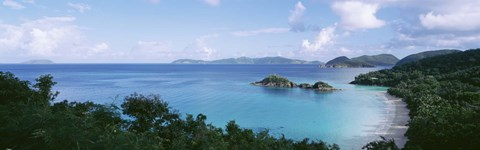 US Virgin Islands, St. John, Trunk Bay, Panoramic view of an island and a beach