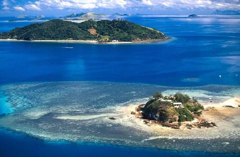 Wading Island and Castaway Island, Fiji