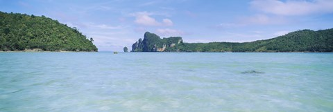 Hills in the ocean, Loh Dalum Bay, Ko Phi Phi Don, Phi Phi Islands, Thailand